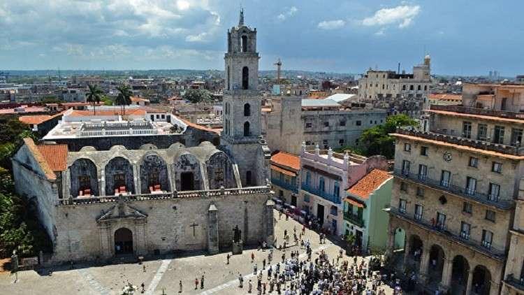 دستور جديد لكوبا يحدد لأول مرة مدّة الولاية الرئاسية ويعترف بالملكية الخاصة