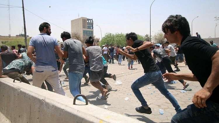 العراق.. مقتل متظاهرين اثنين إثر اشتباكات مع قوات الأمن في مدينة السماوة جنوب البلاد
