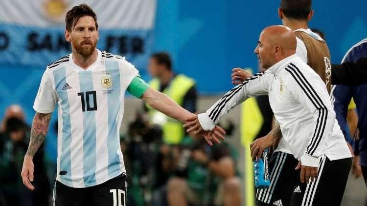 إقالة مدرب الأرجنتين بعد أيام من تجديد الثقة به