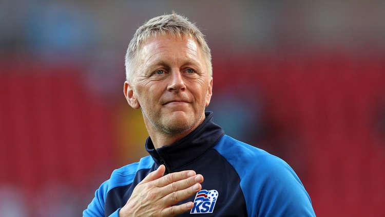 استقالة مفاجئة لمدرب إيسلندا بسبب