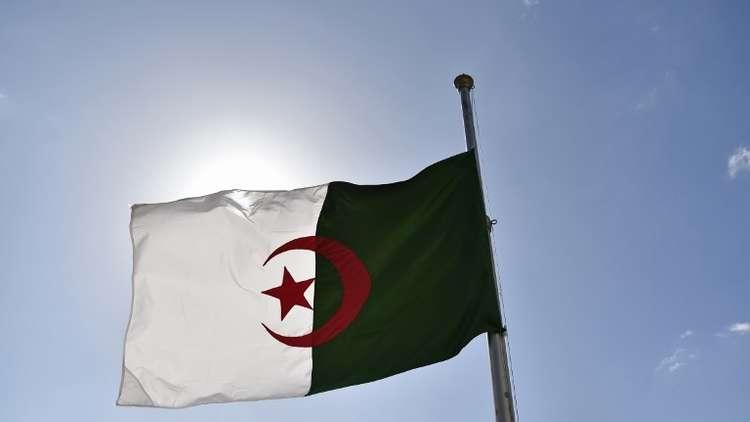 جبهة التحرير الوطني بالجزائر: لسنا من جمهوريات الموز!