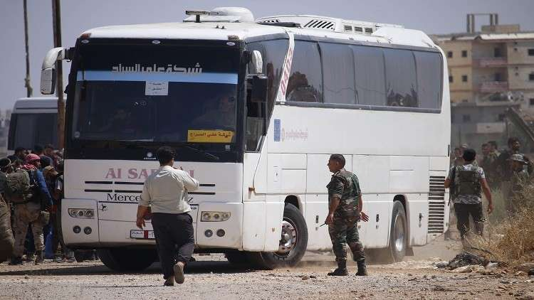 دخول 10 حافلات إلى ريف القنيطرة الجنوبي لبدء نقل المسلحين إلى شمال سوريا