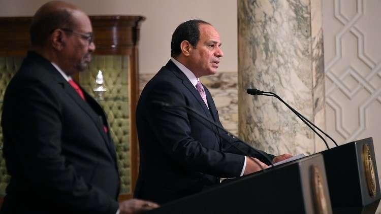 السيسي للبشير: الروابط بين مصر والسودان لا توجد بين سواهما
