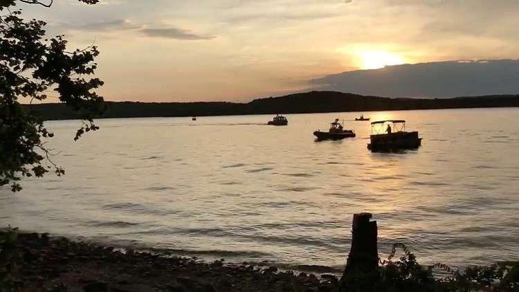 مصرع 11 شخصا في انقلاب قارب سياحي وسط الولايات المتحدة