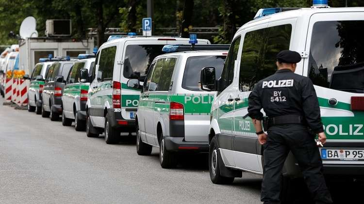 إصابة 14 شخصا في هجوم بالسلاح الأبيض على حافلة في لوبيك بألمانيا