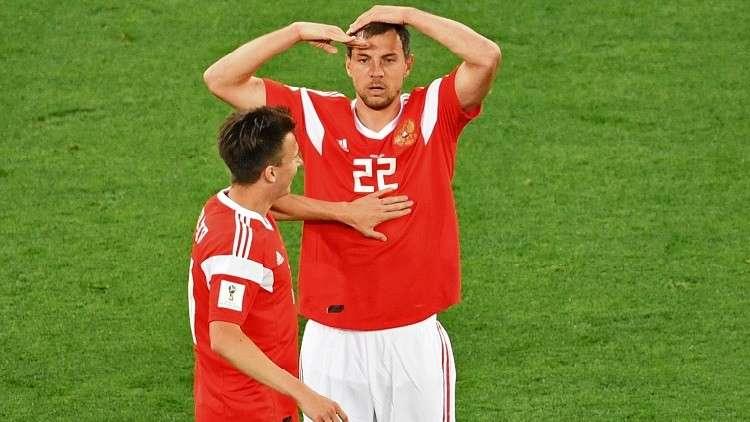 انتقاد لاعب المنتخب الأوكراني لاحتفاله بهدفه على طريقة الروسي دزيوبا (فيديو)