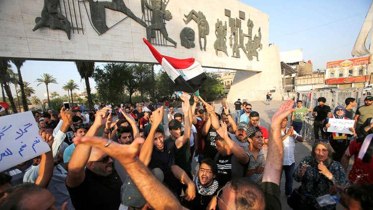تجدد التظاهرات في بغداد والسلطات تقطع الطرق