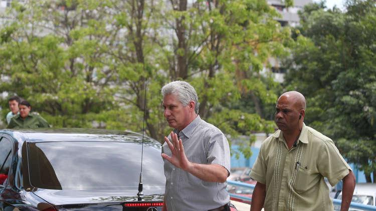 الرئيس الكوبي ميغيل دياز كانيل