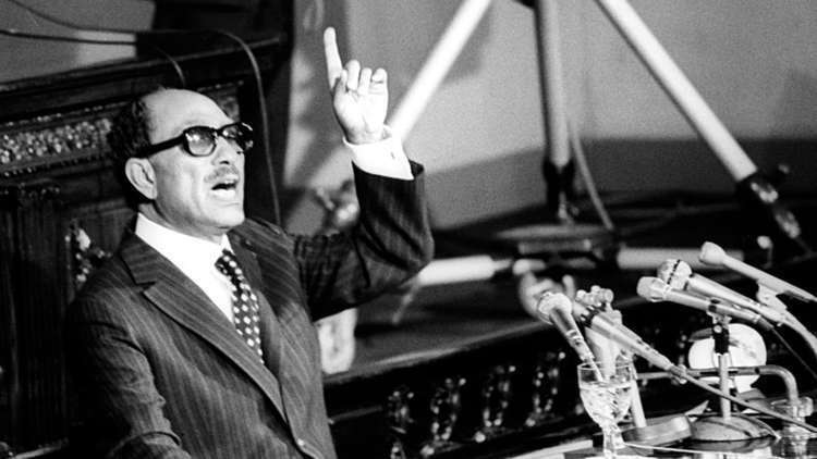 أرملة السادات تكشف جانبا من خفايا ثورة يوليو وخداع الملك فاروق