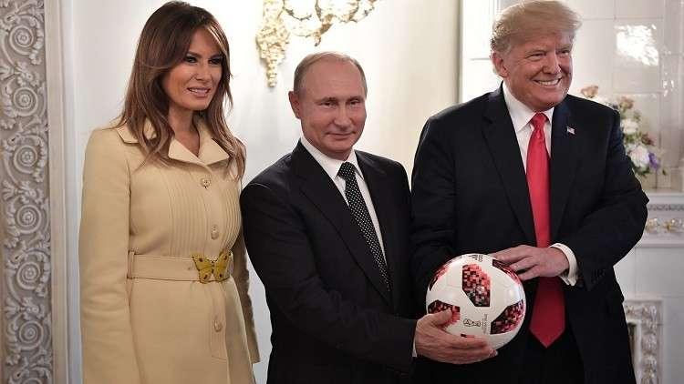 كرة بوتين لترامب مزودة بشريحة إلكترونية!