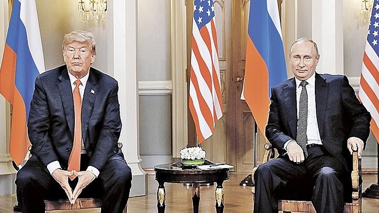 تحليل نفسي لمصافحة بوتين وترامب في هلسنكي..وقبلها