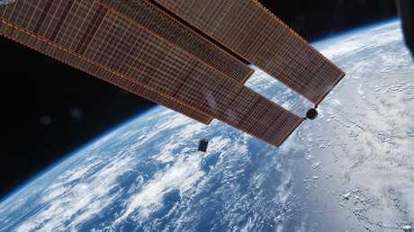 أغرب وأقدم الأشياء المرسلة إلى الفضاء!