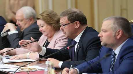لقاء أعضاء في مجلس الاتحاد الروسي مع وفد الكونغرس الأمريكي
