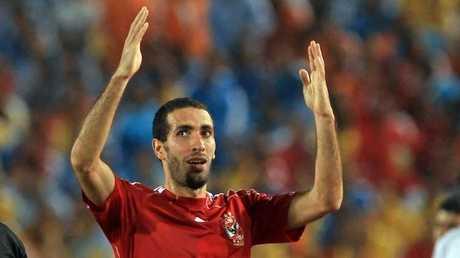 النجم الدولي المصري السابق محمد أبو تريكة