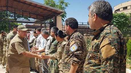 لقاء قيادات عسكرية كردية في منبج مع وفد من مجلس الشيوخ الأمريكي، 2/07/2018