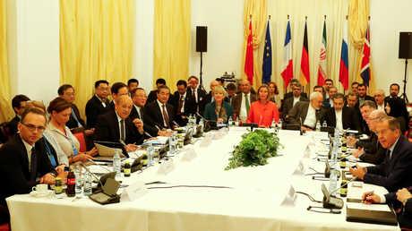 اجتماع القوى الخمس الكبرى المشاركة في الاتفاق النووي مع مسؤولين إيرانيين في فيينا