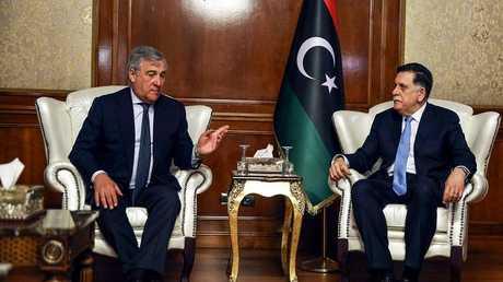 رئيس حكومة الوفاق الوطني الليبية فايز السراج ورئيس البرلمان الأوروبي تاجاني في طرابلس
