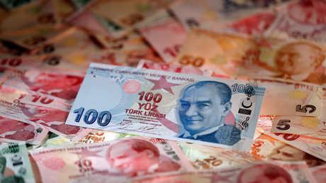 سندات تركيا تواصل الانخفاض وتكلفة التأمين على الديون تقفز