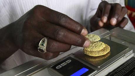 السودان يستعيض عن الذهب الأسود بالأصفر (صور)