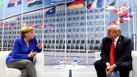 لقاء الرئيس الأمريكي دونالد ترامب مع المستشارة الألمانية أنجيلا ميركل على هامش قمة الناتو في بروكسل