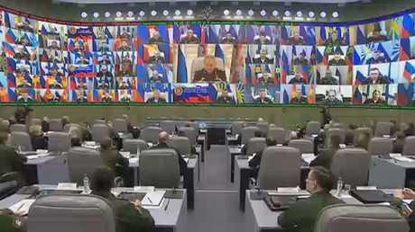 شويغو: الناتو ينقل قواعده إلى جوار روسيا