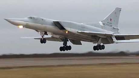 القاذفة الروسية البعيدة المدى من طراز Tu-22M3