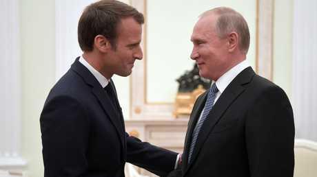 الرئيس الروسي، فلاديمير بوتين، خلال لقائه نظيره الفرنسي، إيمانويل ماكرون، في الكرملين 15 يونيو