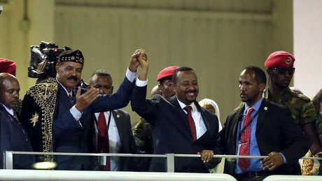 رئيس وزراء إثيوبيا آبي أحمد والرئيس الإريتري أسياس أفورقي، أديس أبابا، الإثيوبيا، 15 يوليو 2018