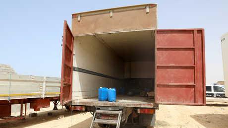 شاحنة كانت تقل نحو 100 مهاجر غير شرعي في مدينة زوارة، ليبيا