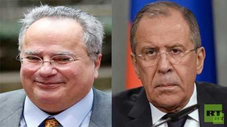 وزير الخارجية الروسي سيرغي لافروف، ونظيره اليوناني نيكوس كوتزياس