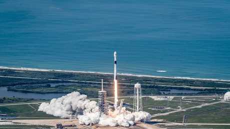 إطلاق فالكون 9 يحمل قمر اصطناعي كندي
