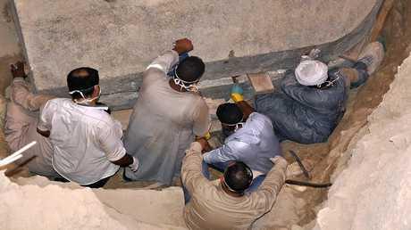 عالم آثار يدعو إلى استمرار الحفريات في الاسكندرية