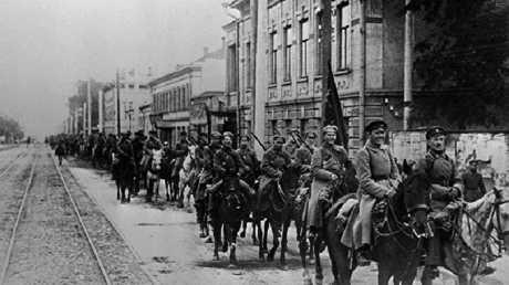 الجيش الأحمر في كييف خلال القرن الماضي