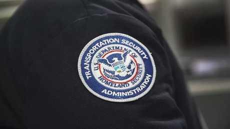 أمريكا تعتمد برنامجا سريا لمراقبة المسافرين جوا