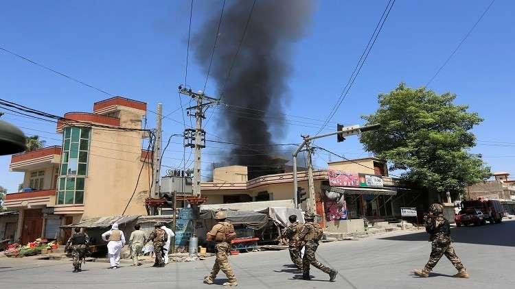 25 قتيلا وعشرات الجرحى بتفجير انتحاري في أفغانستان