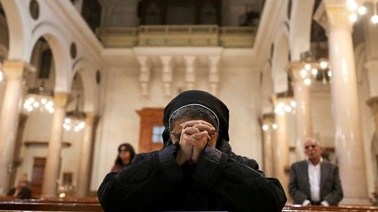 الكنيسة القبطية تجرد راهبا من رهبانيته
