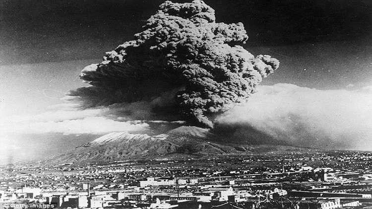 ثورات بركانية مدمرة