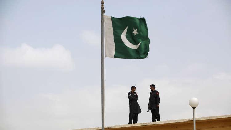 باكستان متمسكة بتجارتها مع إيران رغم التهديدات الأمريكية