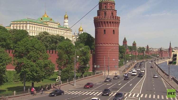 بوتين وماكرون يبحثان التطورات في سوريا
