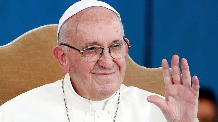 البابا ينتقد