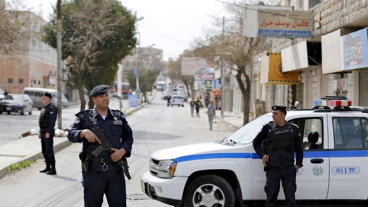 العثور على جثث 3 إرهابيين واعتقال 5 مشتبه بهم بتنفيذ عملية الفحيص في الأردن