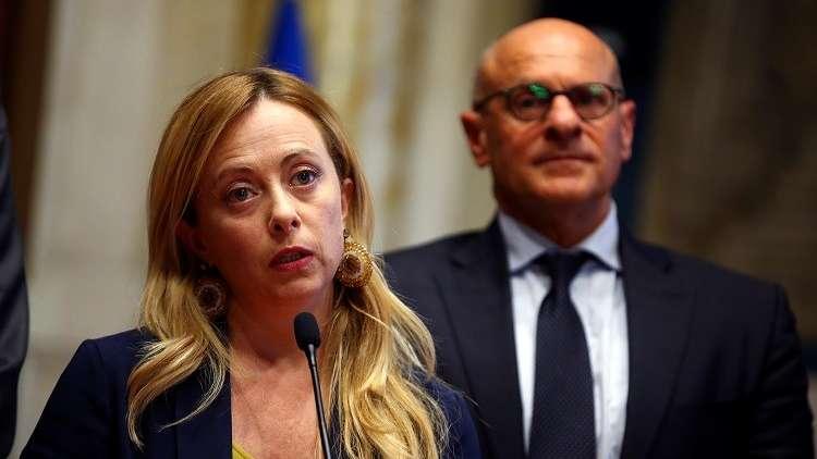 سياسية يمينية إيطالية تطالب باحتجاز سفينة