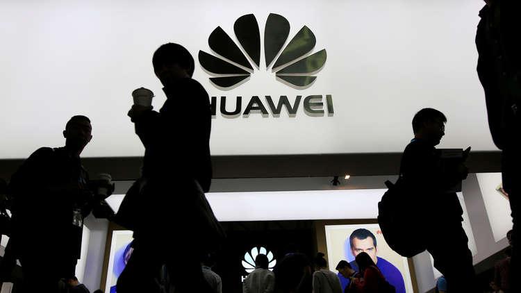 شركتا هاتف محمول صينيتان من بين ضحايا ميزانية الدفاع الأمريكية الجديدة