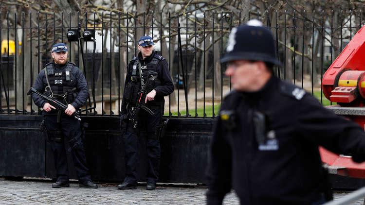 الشرطة البريطانية تتعامل مع حادث الاصطدام أمام البرلمان كعمل إرهابي