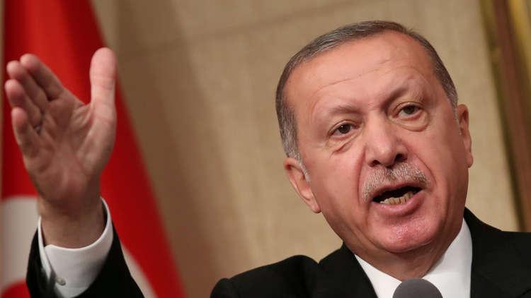 أردوغان يعلن مقاطعة المنتجات الإلكترونية الأمريكية