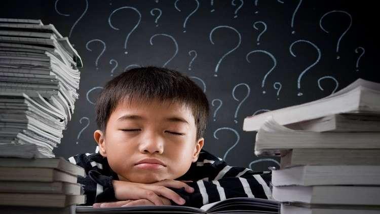 علماء يدحضون أسطورة شائعة حول التعلم!