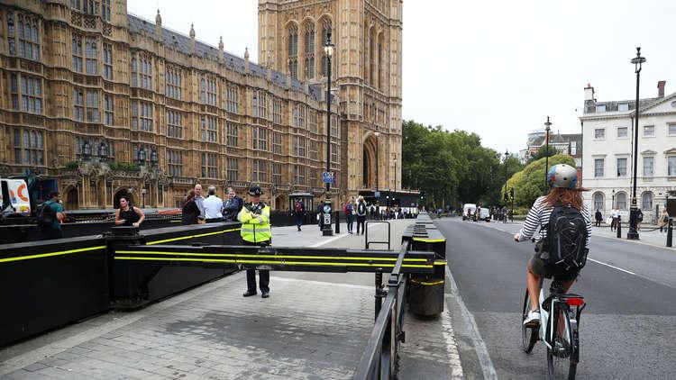 الكشف عن هوية منفذ حادث الاصطدام أمام البرلمان البريطاني وهو من أصول عربية