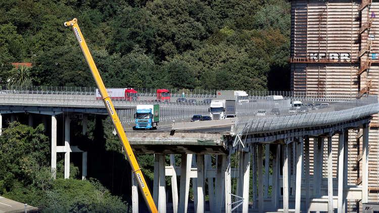 السلطات الإيطالية تحدد المسؤولين عن انهيار جسر جنوى