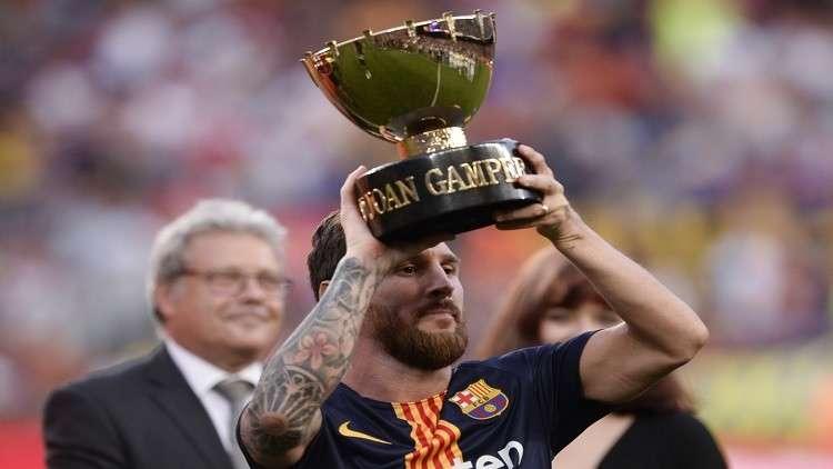 برشلونة يحرز كأس جوان غامبر بثلاثية في بوكا جونيورز
