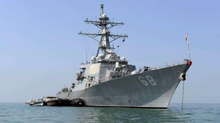 مدمرة وقاذفة استراتيجية أمريكيتان وصلتا إلى الخليج بهدف تنفيذ ضربة على سوريا